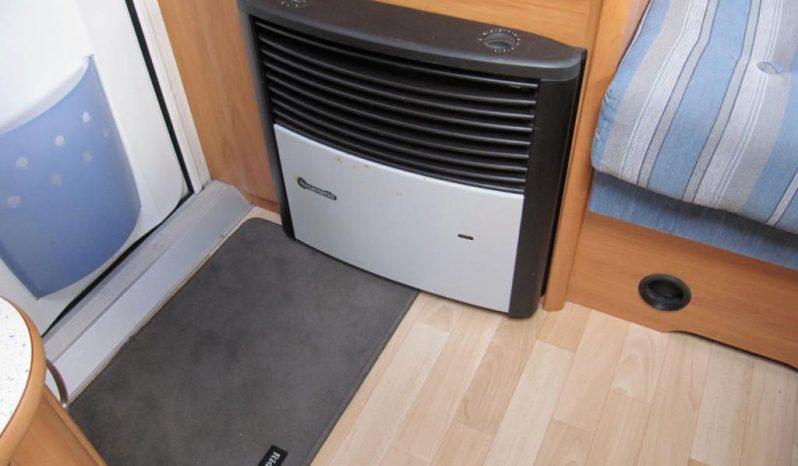 Hobby 440 SF, r.v.2005 + před stan plná