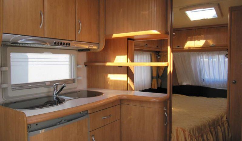 Hobby 460 UFE, r.v.2004 + kompletní před stan + zimní stan + zadní nosič kol plná