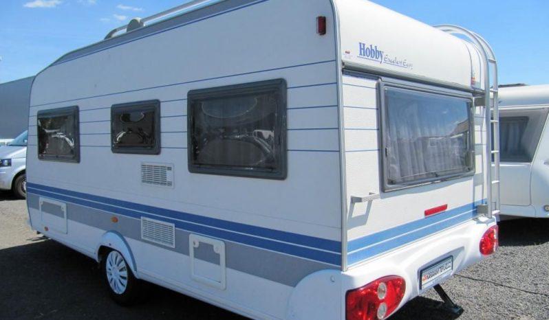 Hobby 460 UFE, model 2002 + mover + před stan plná
