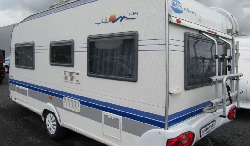 Hobby 460 UFE, model 2004 + mover + před stan plná