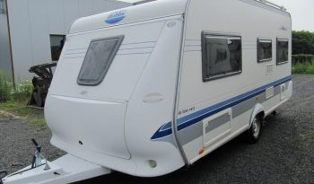 Hobby 460 UFE, r.v.2003 + elektrický pojezd + kompletní před stan + zadní nosič kol + originál koberce Hobby plná
