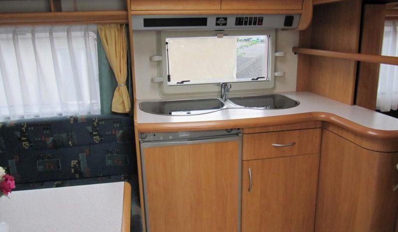 Hobby 460 UFE, r.v.2003 + kompletní před stan + lehký stan plná