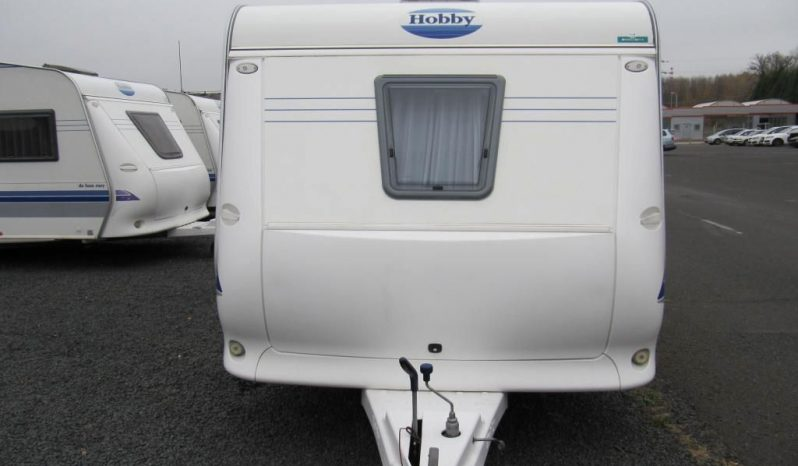 Hobby 495 UFE, r.v.2004 + kompletní před stan plná