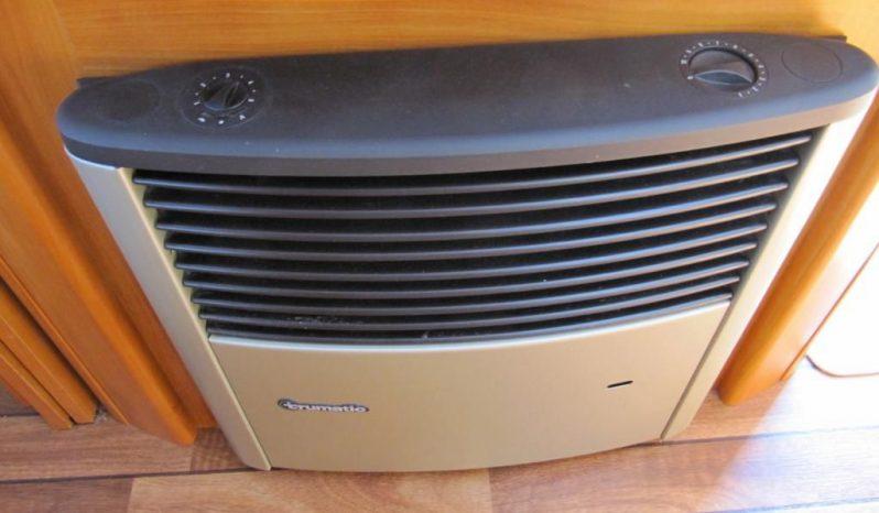 Hobby 495 UFE, r.v.2008 + před stan + nosič kol plná