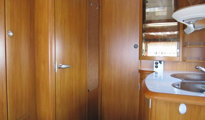 Hobby 495 UL,r.v.2008 + mover + před stan plná