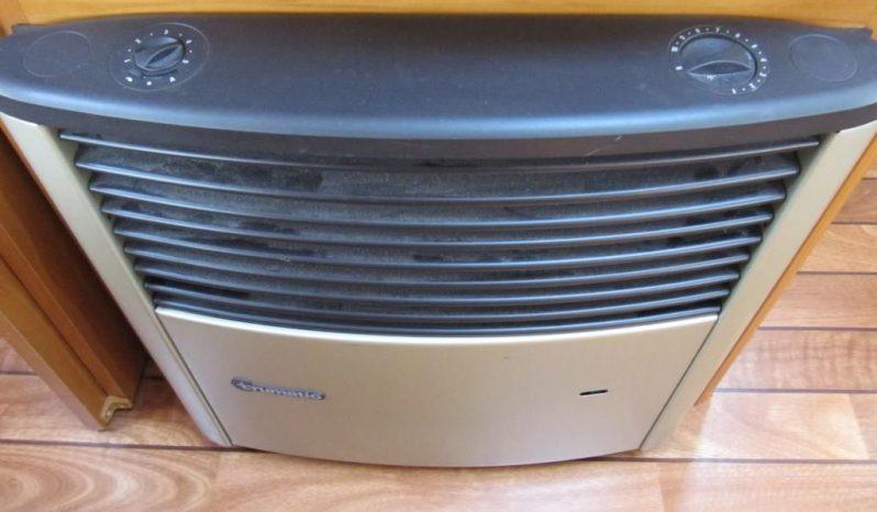Hobby 460 UFE, model 2007 + klima + před stan plná
