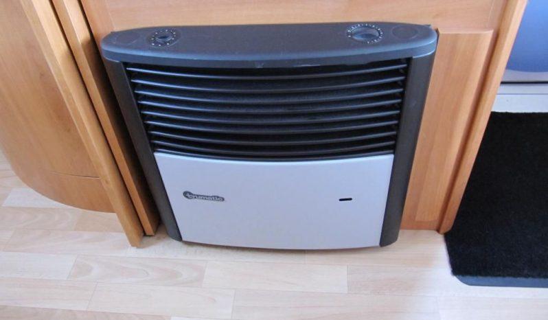 Hobby 460 UFE, r.v2005 + mover + před stan plná