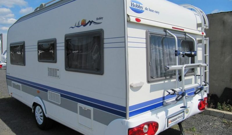 Hobby 460 ufe,r.v.2005 + mover + stan. plná