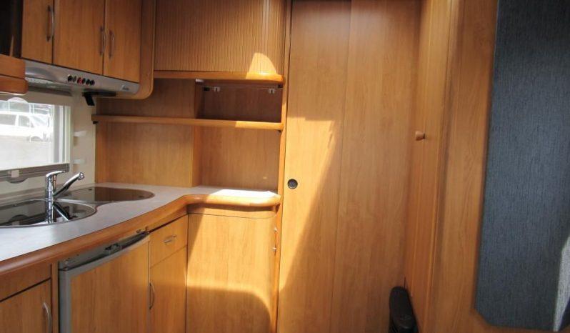 Hobby 495 UFE, r.v.2005 + mover + před stan plná